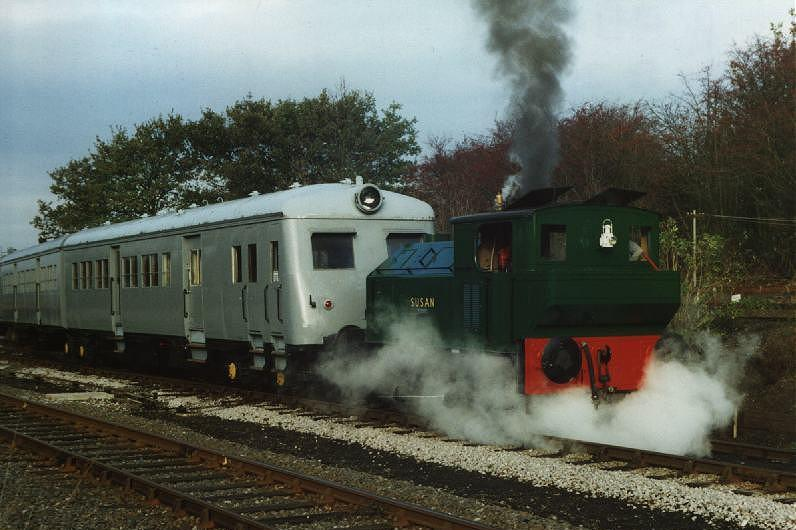 The SMU on the running line in late 1997 being shunted by fellow Sentinel <I>Susan</i>