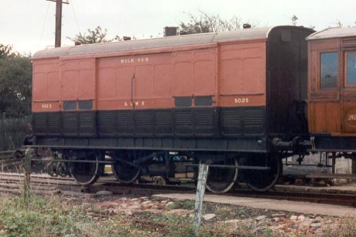 LSWR Special Passenger Luggage Van No. 5025
